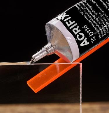ACRIFIX® Klebstoffe
